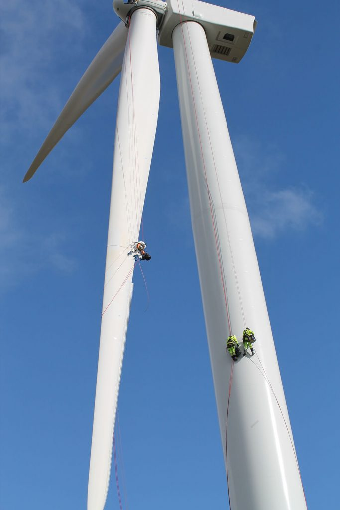 Rope Access Wind Turbine Maintainence